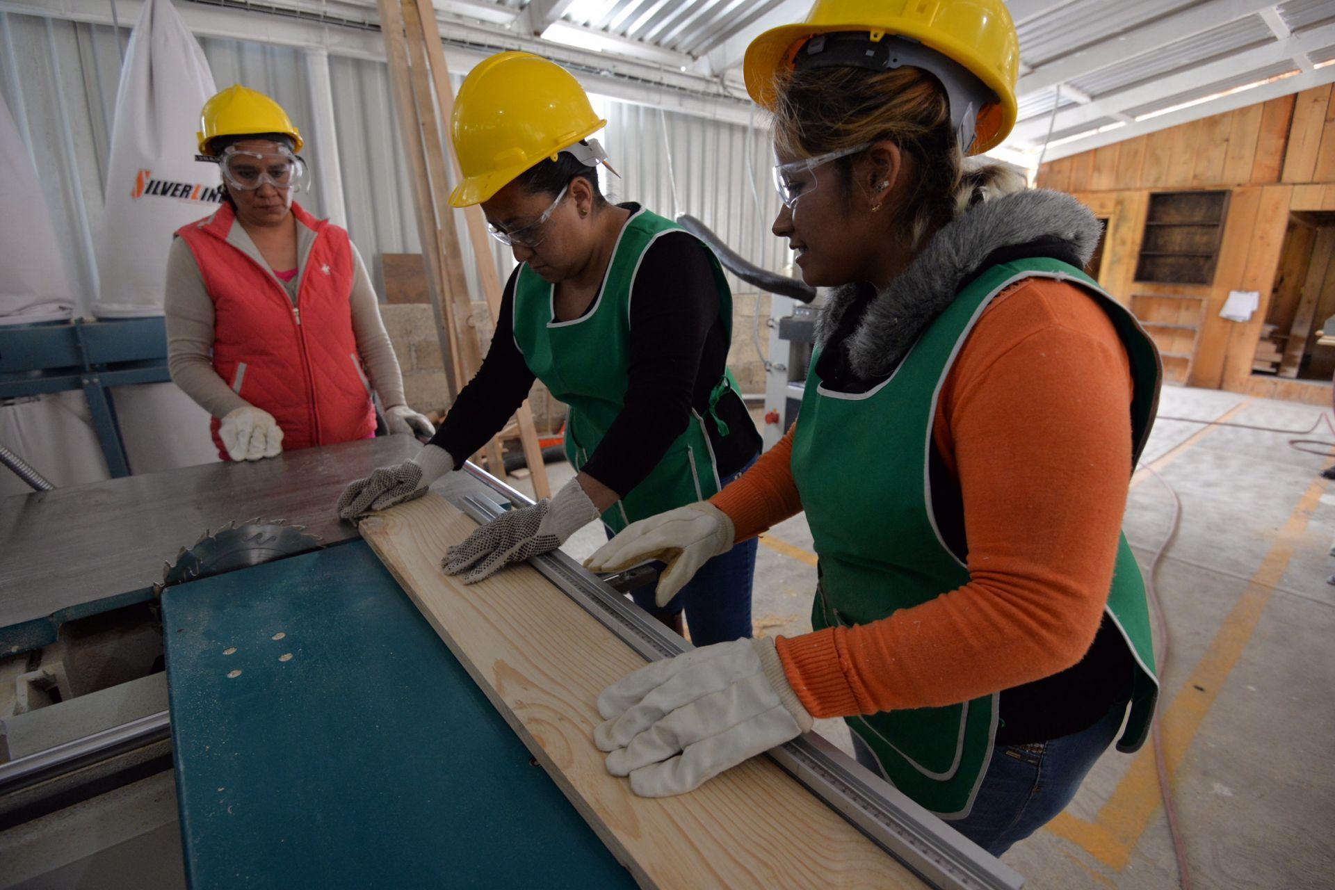 El registro del IMSS agregó 401,648 puestos de trabajo asegurados durante el primer semestre de 2021